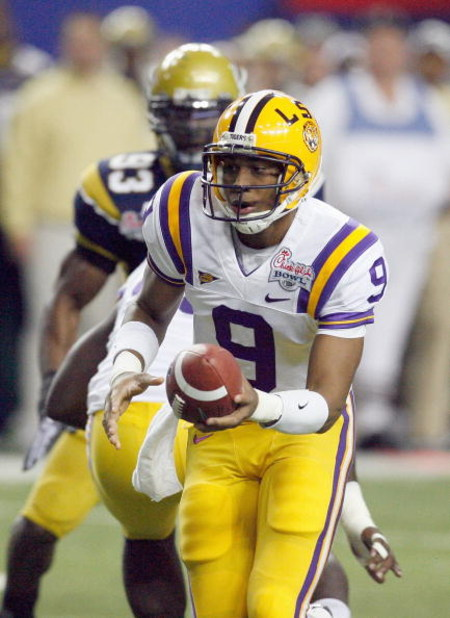 ATLANTA - DECEMBER 31:  Jordan Jefferson #9 of the LSU Tigers moves to hand off the ball during the Chick-fil-A Bowl against the Georgia Tech Yellow Jackets on December 31, 2008 at the Georgia Dome in Atlanta, Georgia. (Photo by Kevin C. Cox/Getty Images)