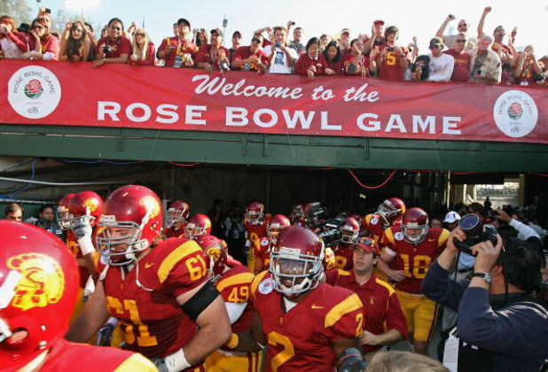 PASADENA, CA - JANUARY 01:  The USC Trojans run out onto the field before the 95th Rose Bowl Game presented by Citi against the Penn State Nittany Lions at the Rose Bowl on January 1, 2009 in Pasadena, California. The Trojans defeated the Nittany Lions 38