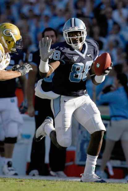 CHAPEL HILL, NC - NOVEMBER 08:  Hakeem Nicks #88 of the North Carolina Tar Heels carries the ball during the game against the Georgia Tech Yellow Jackets at Kenan Stadium on November 8, 2008 in Chapel Hill, North Carolina.  (Photo by Kevin C. Cox/Getty Im