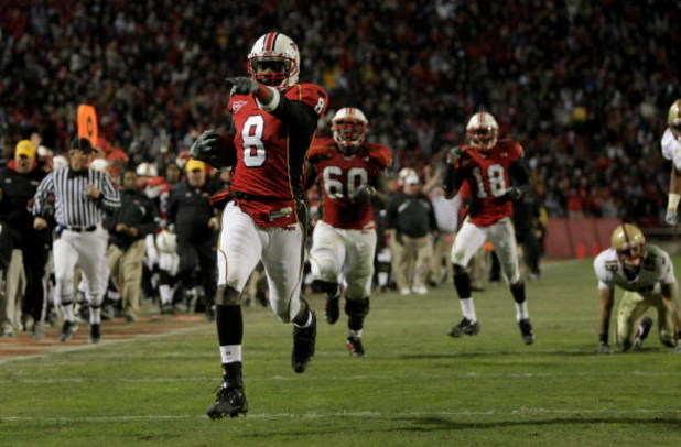 COLLEGE PARK, MD - NOVEMBER 10:  Darrius Heyward-Bey #8 of the Maryland Terrapins begins to celebrate as he scored on 37 yard reverse against the Boston College Eagles in the fourth quarter at Byrd Stadium on November 10, 2007 in College Park, Maryland. (