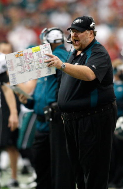 GLENDALE, AZ - JANUARY 18:  Head coach Andy Reid of the Philadelphia Eagles calls a play during the NFC championship game against the Arizona Cardinals on January 18, 2009 at University of Phoenix Stadium in Glendale, Arizona.  (Photo by Chris Graythen/Ge