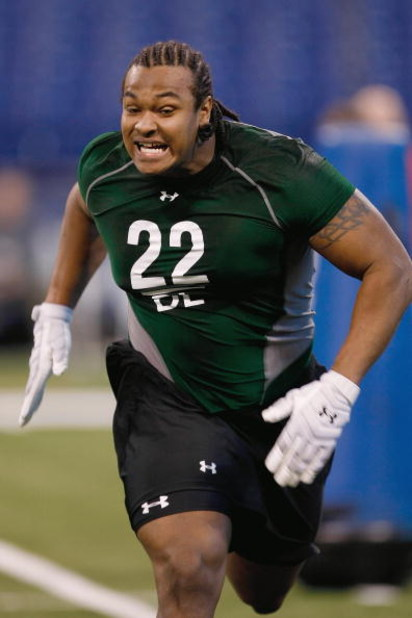 INDIANAPOLIS, IN - FEBRUARY 23:  Defensive lineman Ziggy Hood of Missouri runs during the NFL Scouting Combine presented by Under Armour at Lucas Oil Stadium on February 23, 2009 in Indianapolis, Indiana. (Photo by Scott Boehm/Getty Images)