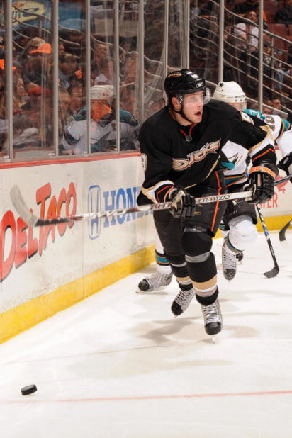 ANAHEIM, CA - APRIL 21:  Bobby Ryan #9 of the Anaheim Ducks skates to the puck against the San Jose Sharks during Game Three of the Western Conference Quarterfinal Round of the 2009 Stanley Cup Playoffs at Honda Center on April 21, 2009 in Anaheim, Califo