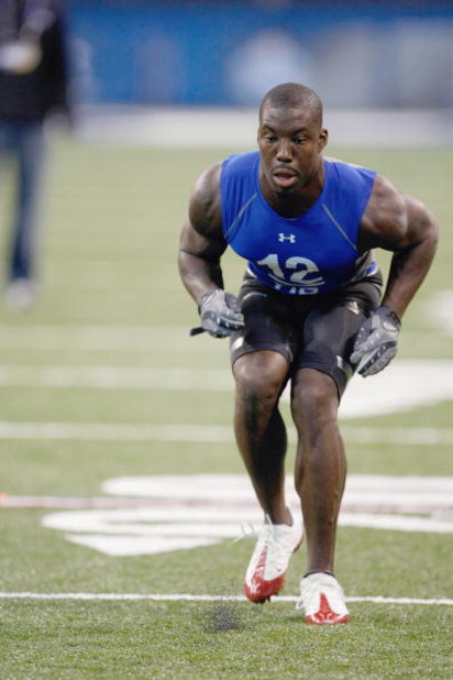 INDIANAPOLIS, IN - FEBRUARY 24:  Defensive back Vontae Davis of Illinois runs in practice drills during the NFL Scouting Combine presented by Under Armour at Lucas Oil Stadium on February 24, 2009 in Indianapolis, Indiana. (Photo by Scott Boehm/Getty Imag