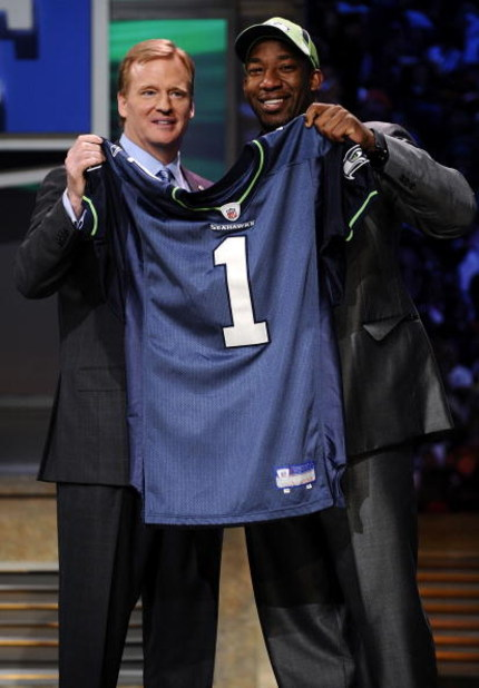 NEW YORK - APRIL 25:  NFL Commissioner Roger Goodell poses with with Seattle Seahawks draft pick Aaron Curry at Radio City Music Hall for the 2009 NFL Draft on April 25, 2009 in New York City  (Photo by Jeff Zelevansky/Getty Images)