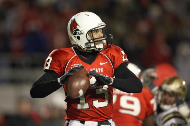 MUNCIE, IN - NOVEMBER 25:  Quarterback Nate Davis #13  of the Ball State Cardinals looks to pass the ball during the MAC game against the Western Michigan Broncos at Scheumann Stadium on November 25, 2008 in Muncie, Indiana.  (Photo by Andy Lyons/Getty Im