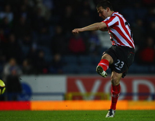 BLACKBURN, UNITED KINGDOM - FEBRUARY 04:  David Healy of Sunderland scores a goal during the FA Cup sponsored by E.on Fourth Round Replay match between Blackburn Rovers and Sunderland at Ewood Park on February 4, 2009 in Blackburn, England.  (Photo by Mat