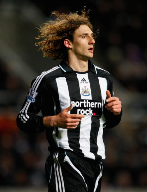 NEWCASTLE, UNITED KINGDOM - MARCH 04:  Fabricio Coloccini of Newcastle United looks on during the Barclays Premier League match between Newcastle United and Manchester United at St James' Park on March 4, 2009 in Newcastle, England.  (Photo by Stu Forster