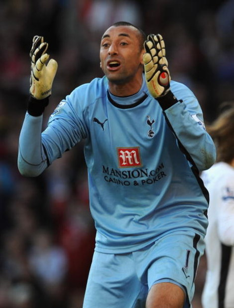 MANCHESTER, UNITED KINGDOM - APRIL 25:  Heurelho Gomes of Tottenham Hotspur protests after Manchester United were awarded a penalty during the Barclays Premier League match between Manchester United and Tottenham Hotspur at Old Trafford on April 25, 2009
