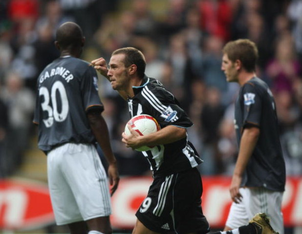 NEWCASTLE-UPON-TYNE, UNITED KINGDOM - SEPTEMBER 13: Xisco of Newcastle United celebrates after scoring during the Barclays Premier League match between Newcastle United and Hull City at St. James's Park on September 13, 2008 in Newcastle-upon-Tyne, Englan