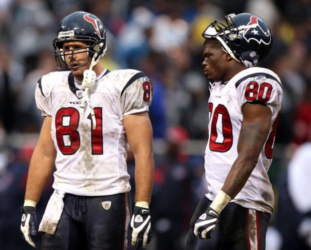OAKLAND, CA - DECEMBER 21:  Owen Daniels #81 and Andre Johnson #80 of the Houston Texans look on against the Oakland Raiders during an NFL game on December 21, 2008 at the Oakland-Alameda County Coliseum in Oakland, California.  (Photo by Jed Jacobsohn/Ge