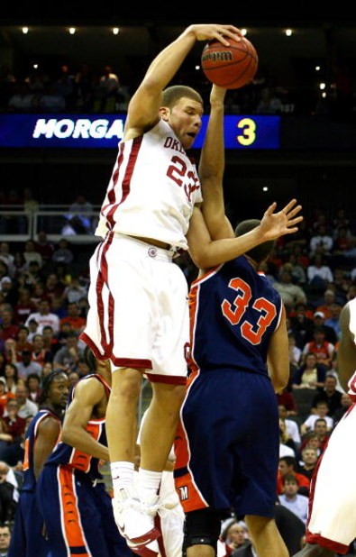 KANSAS CITY, MO - MARCH 19:  Blake Griffin #23 of the Oklahoma Sooners rebounds the loose ball in the first half against the Morgan State Golden Bears during the first round of the NCAA Division I Men's Basketball Tournament at the Sprint Center on March