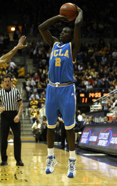 BERKELEY, CA - FEBRUARY 28:  Darren Collison #2 of the UCLA Bruins shoots against the California Golden Bears during an NCAA Pac-10 basketball game on February 28, 2009 at Haas Pavillion in Berkeley, California.  (Photo by Jed Jacobsohn/Getty Images)
