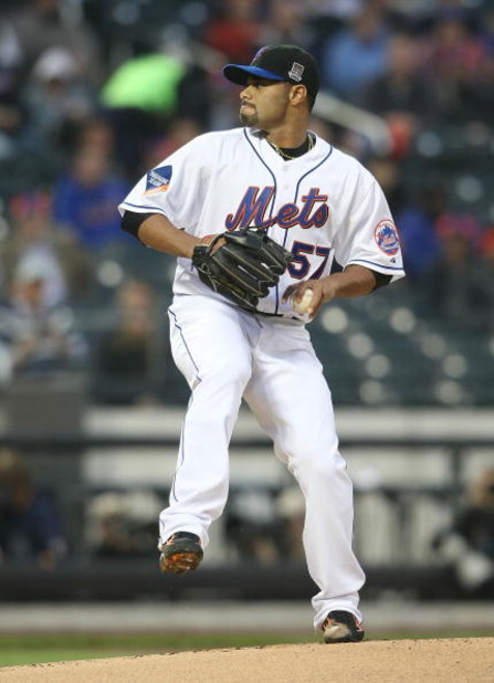 NEW YORK - MAY 06:  Johan Santana  #57 of the New York Mets pitches against the Philadelphia Phillies at Citi Field on May 6, 2009 in the Flushing neighborhood of the Queens borough of New York City.  (Photo by Nick Laham/Getty Images)