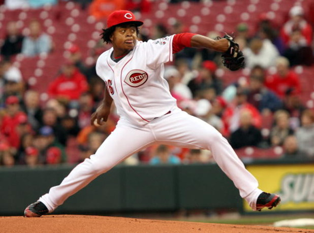 CINCINNATI, OH - APRIL 8: Edinson Volquez #36 of the Cincinnati Reds pitches against the New York Mets during the first inning at Great American Ballpark on April 8, 2009 in Cincinnati, Ohio. (Photo by Mark Lyons/Getty Images)
