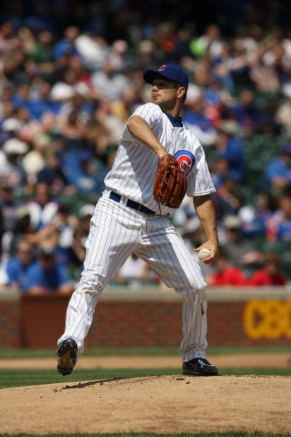 CHICAGO - MAY 2:  Ted Lilly #30 of the Chicago Cubs pitches against the Florida Marlins during the game on May 2, 2009 at Wrigley Field in Chicago, Illinois. (Photo by Jonathan Daniel/Getty Images)