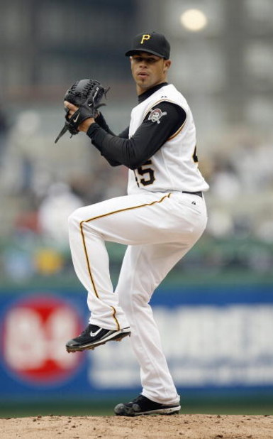 PITTSBURGH - APRIL 9: Ian Snell #45 of the Pittsburgh Pirates delivers the pitch during the game against the St. Louis Cardnals in the Home Opener for the Pirates on April 9, 2007 at PNC Park in Pittsburgh, Pennsylvania. (Photo by Gregory Shamus/Getty Ima