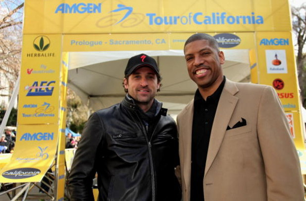 SACRAMENTO, CA - FEBRUARY 14:  Actor Patrick Dempsey (L) and Kevin Johnson Mayor of Sacramento pose for a photo prior to the start of the Prologue of the AMGEN Tour of California on February 14, 2009 in Sacramento, California.  (Photo by Doug Pensinger/Ge