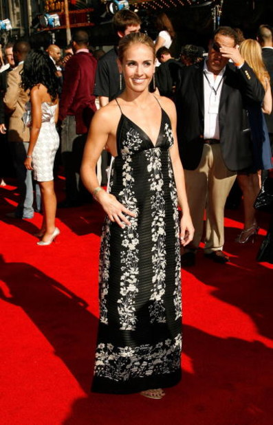 HOLLYWOOD - JULY 11:  Soccer player Heather Mitts arrives at the 2007 ESPY Awards at the Kodak Theatre on July 11, 2007 in Hollywood, California.  (Photo by Vince Bucci/Getty Images)
