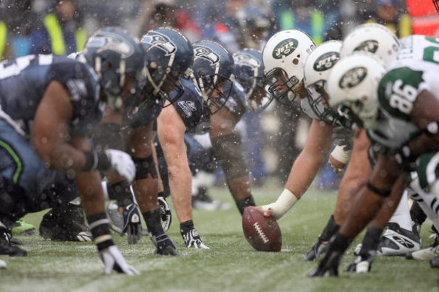 SEATTLE - DECEMBER 21:  The Seattle Seahawks defence lines up against the New York Jets offensive line on December 21, 2008 at Qwest Field in Seattle, Washington. The Seahawks defeated the Jets 13-3. (Photo by Otto Greule Jr/Getty Images)