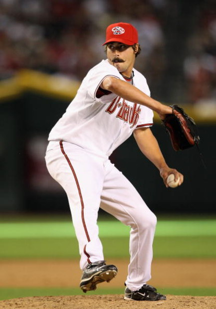 PHOENIX - MAY 25:  Relief pitcher Clay Zavada #35 of the Arizona Diamondbacks pitches against the San Diego Padres during the major league baseball game at Chase Field on May 25, 2009 in Phoenix, Arizona. The Padres defeated the Diamondbacks 9-7.  (Photo