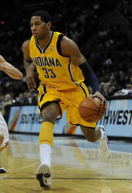 SAN ANTONIO - JANUARY 20:  Forward Danny Granger #33 of the Indiana Pacers during play against the San Antonio Spurs on January 20, 2009 at AT&T Center in San Antonio, Texas.  NOTE TO USER: User expressly acknowledges and agrees that, by downloading and/o