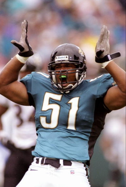 30 Nov 1997:  Linebacker Kevin Hardy of the Jacksonville Jaguars in action during a game against the Baltimore Ravens at Alltel Stadium in Jacksonville, Florida.  The Jaguars won the game 29-27. Mandatory Credit: Scott Halleran  /Allsport