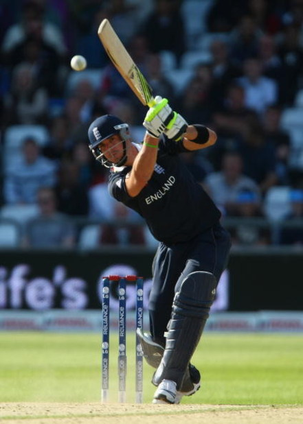 NOTTINGHAM, ENGLAND - JUNE 11:  Kevin Pietersen of England hits out during the ICC World Twenty20 Super Eights match between England and South Africa at Trent Bridge on June 11, 2009 in Nottingham, England.  (Photo by Clive Rose/Getty Images)