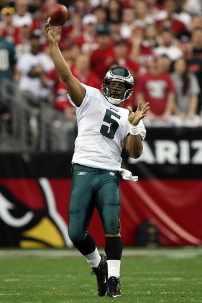 GLENDALE, AZ - JANUARY 18:  Quarterback Donovan McNabb #5 of the Philadelphia Eagles throws the ball during the NFC championship game against the Arizona Cardinals on January 18, 2009 at University of Phoenix Stadium in Glendale, Arizona.  (Photo by Jed J