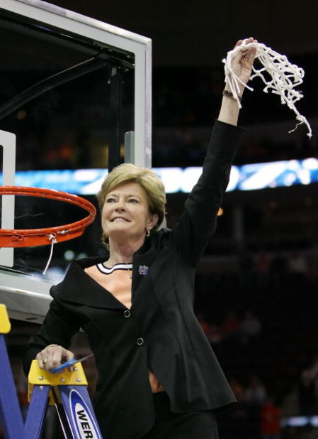 CLEVELAND - APRIL 03:  Head coach Pat Summitt of the Tennessee Lady Volunteers celebrates after cutting down the net after Tennessee's 59-46 win against the Rutgers Scarlet Knights to win the 2007 NCAA Women's Basketball Championship Game at Quicken Loans