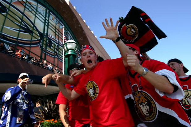 ANAHEIM, CA - JUNE 06:  Ottawa Senators fan, Brendan Duvall cheers outside of the Honda Center before the start of Game Five of the 2007 Stanley Cup finals against the Anaheim Ducks on June 6, 2007 in Anaheim, California.   (Photo by Harry How/Getty Image