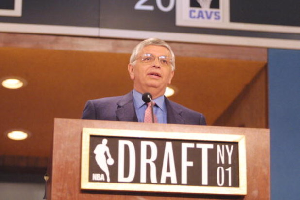 27 Jun 2001: NBA Commissioner David Stern announces the NBA Draft picks at Madison Square Garden in New York City. Mandatory Credit: Al Bello/ALLSPORT NOTE TO USER: It is expressly understood that the only rights Allsport are offering to license in this P