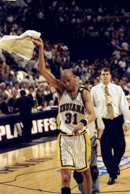 13 May 1998: Reggie Miller #31 of the Indianapolis Pacers waves a towel as he walks off the court during the game against the New York Knicks at the Market Square Arena in Indianapolis, Indiana. The Pacers defeated the Knicks 99-88. Mandatory Credit: Vinc