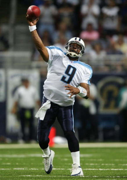 ST. LOUIS - SEPTEMBER 25: Steve McNair #9 of the Tennessee Titans passes the ball against the St. Louis Rams on September 25, 2005 at the Edward Jones Dome  in St. Louis, Missouri. The St. Louis Rams defeated the Tennessee Titans 31-27. (Photo by Elsa/Get