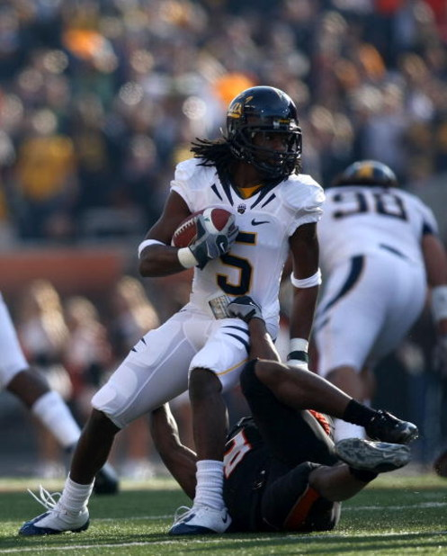 CORVALLIS, OR - NOVEMBER 15:  Syd'Quan Thompson #5 of the California Golden Bears runs against the Oregon State Beavers at Reser Stadium on November 15, 2008 in Corvalis, Oregon.  (Photo by Jonathan Ferrey/Getty Images)