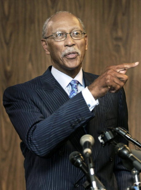 DETROIT - MAY 11:  Former Detroit Pistons' star Dave Bing addresses the media after being sworn in as the 62nd mayor of the City of Detroit at the city�s Department of Elections office May 11, 2009 in Detroit, Michigan. Bing, a long-time Detroit area busi