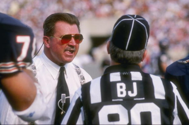 15 Oct 1989:  Head coach Mike Ditka of the Chicago Bears, left, has a few words with an official during the Bears 33-28 loss to the Houston Oilers at Soldier Field in Chicago, Illinois.  Mandatory Credit: Jonathan Daniel  /Allsport