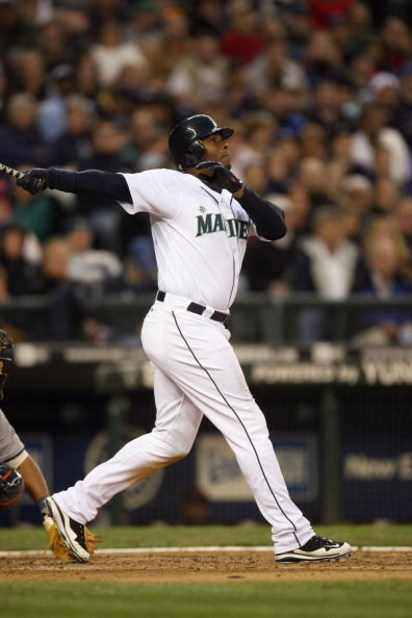 SEATTLE - APRIL 18:  Ken Griffey Jr. #24 of the Seattle Mariners bats against the Detroit Tigers during the game on April 18, 2009 at Safeco Field in Seattle, Washington. (Photo by Otto Greule Jr/Getty Images)