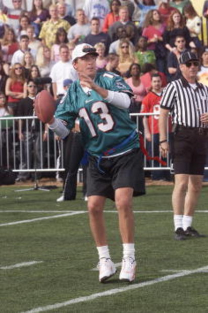 Official quaterback Dan Marino throws a pass during MTV's 'Rock 'N Jock' in the NFL Experience at Raymond James Stadium in Tampa, Fla..  1/26/01  Photo by Scott Gries/ImageDirect