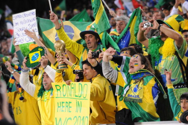 PRETORIA, SOUTH AFRICA - JUNE 21: Fans enjoy the match during the FIFA Confederations Cup match between Italy and Brazil at Loftus Versfeld on June 21, 2009 in Pretoria, South Africa.   (Photo by Lee Warren/Gallo Images/Getty Images)