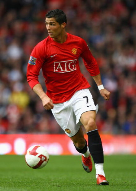MANCHESTER, UNITED KINGDOM - MAY 16:  Cristiano Ronaldo of Manchester United in action during the Barclays Premier League match between Manchester United and Arsenal at Old Trafford on May 16, 2009 in Manchester, England. (Photo by Alex Livesey/Getty Imag