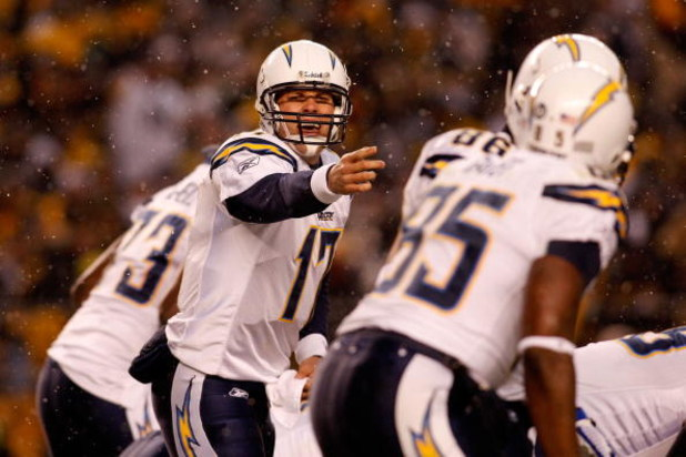 PITTSBURGH - JANUARY 11:  Philip Rivers #17 of the San Diego Chargers directs his teammates at the line of scrimmage against the Pittsburgh Steelers during their AFC Divisional Playoff Game on January 11, 2009 at Heinz Field in Pittsburgh, Pennsylvania.