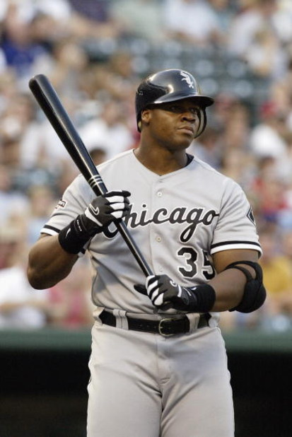 ARLINGTON, TX - AUGUST 17:  Frank Thomas #35 of the Chicago White Sox readies to bat against the Texas Rangers at the Ballpark in Arlington on August 17, 2003 in Arlington, Texas.  The White Sox defeated the Rangers 6-4.  (Photo by Ronald Martinez/Getty I