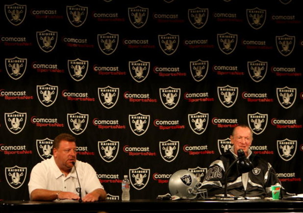 ALAMEDA, CA - SEPTEMBER 30: Oakland Raiders owner Al Davis and Tom Cable speak during a press conference after being named new head coach after the firing of Lane Kiffin of the Oakland Raiders at thier training facility on Septemer 30, 2008 in Alameda, Ca