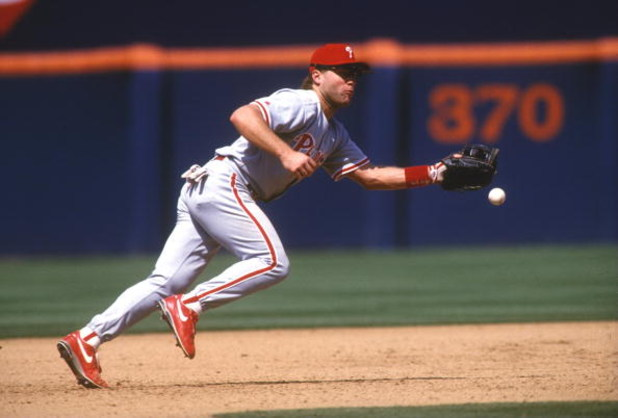 Philadelphia Phillies thirdbaseman Dave Hollins in action. Mandatory Credit: Stephen Dunn/ALLSPORT