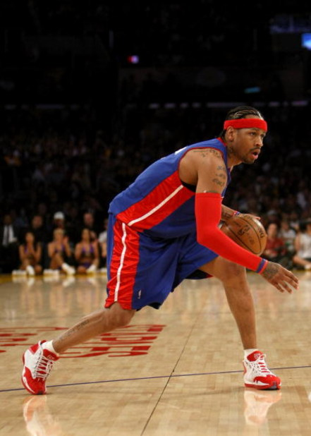 LOS ANGELES, CA - NOVEMBER 14:  Allen Iverson #1 of the Detroit Pistons dribbles the ball against the Los Angeles Lakers on November 14, 2008 at Staples Center in Los Angeles, California.   NOTE TO USER: User expressly acknowledges and agrees that, by dow