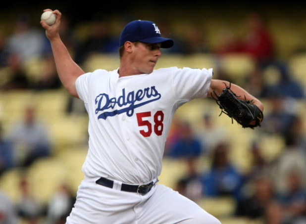 LOS ANGELES, CA - JUNE 03:  Pitcher Chad Billingsley #58 of the Los Angeles Dodgers throws a pitch against the Arizona Diamondbacks  on June 3, 2009 at Dodger Stadium in Los Angeles, California.  The Dodgers won 1-0.  (Photo by Stephen Dunn/Getty Images)