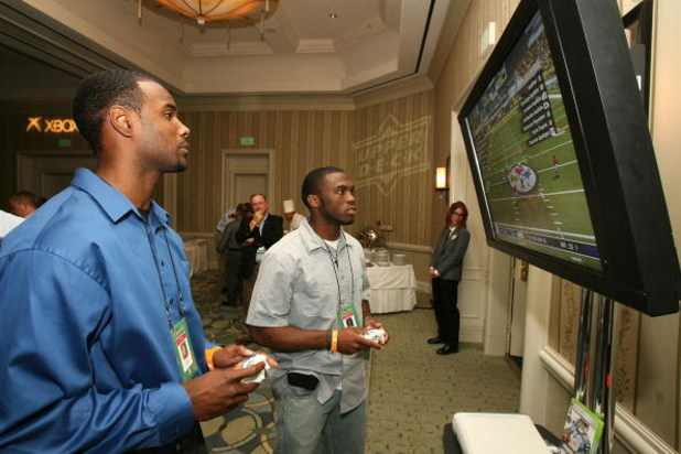 LOS ANGELES, CA - MAY 16: Pittsburgh Steelers wide receiver Limas Sweed and Chicago Bears wide receiver Earl Bennett attend the EA SPORTS Rookie Madden Bowl at the Loews Santa Monica Beach Hotel as part of the NFL PLAYERS Rookie Premiere on May 16, 2008 i