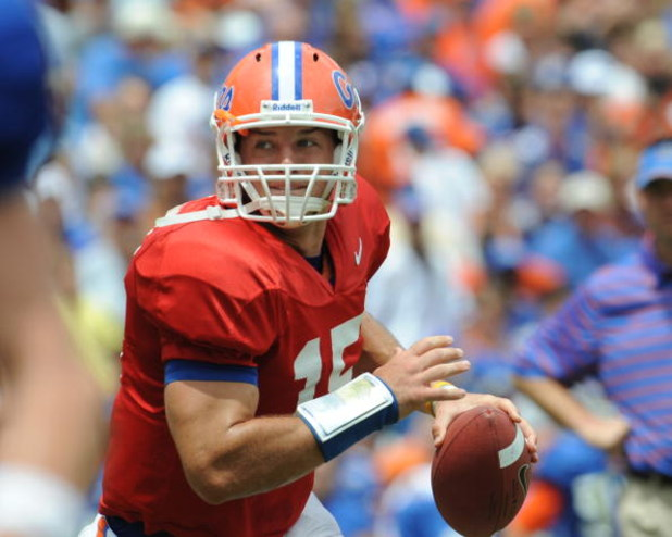 GAINESVILLE, FL - APRIL 18: Quarterback Tim Tebow #15 of the University of Florida passes upfield during the spring football Orange and Blue game April 18, 2009 at Ben Hill Griffin Stadium in Gainesville, Florida.  (Photo by Al Messerschmidt/Getty Images)