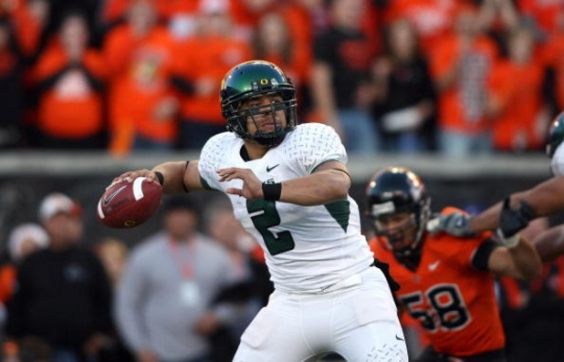 CORVALIS, OR - NOVEMBER 29:  Quarterback Jeremiah Masoli #2 of the Oregon Ducks looks to make a pass play during their game against the Oregon State Beavers at Reser Stadium on November 29, 2008 in Corvalis, Oregon. The Ducks defeated the Beavers 65-38. (